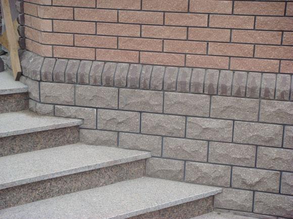 отделка цокольной цементной плиткой