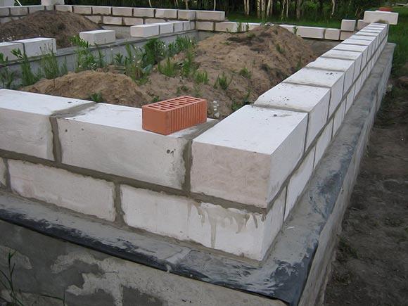 пенобетонные цокольные блоки