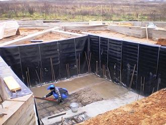 гидроизоляция вертикальных стенок ленточного фундамента