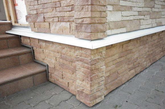 монтаж отлива на фундамент с вентилируемым фасадом