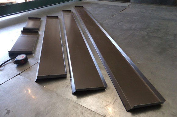 металлические отливы на фундамент
