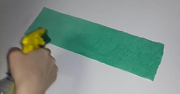 увлажнить бумагу