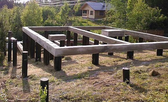 Фундамент на стальных сваях, ростверк – бетонная балка