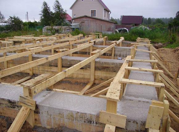 заливка бетоном ростверка