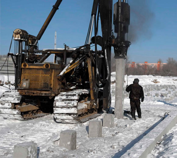 техника под забивку свай в зимнее время для свайного фундамента